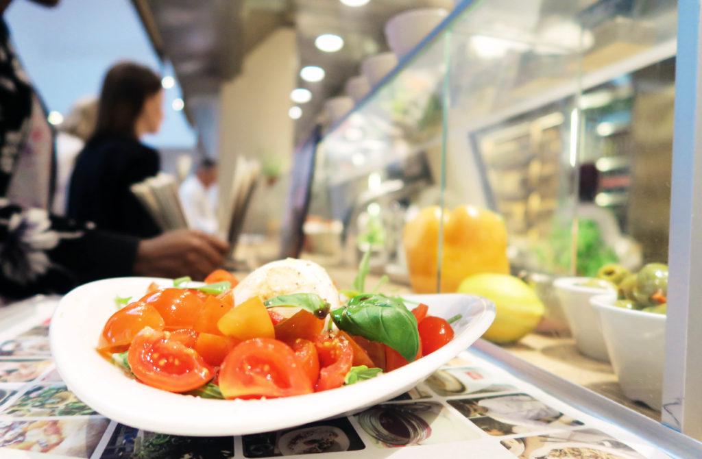 vapianos-caprese-salad