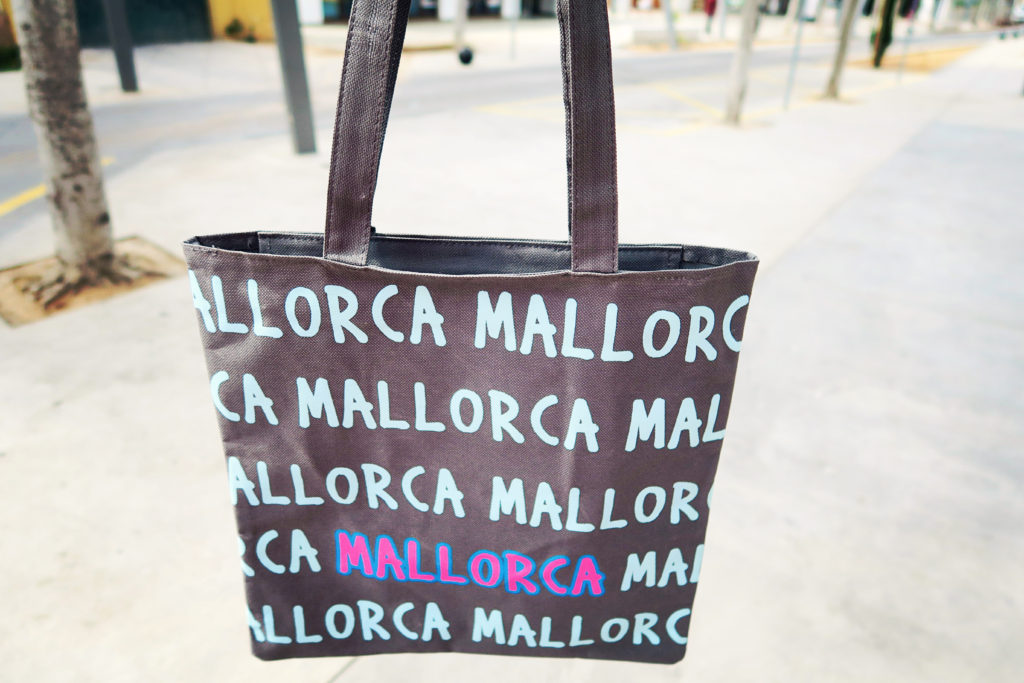 a-beach-bag-mallorca