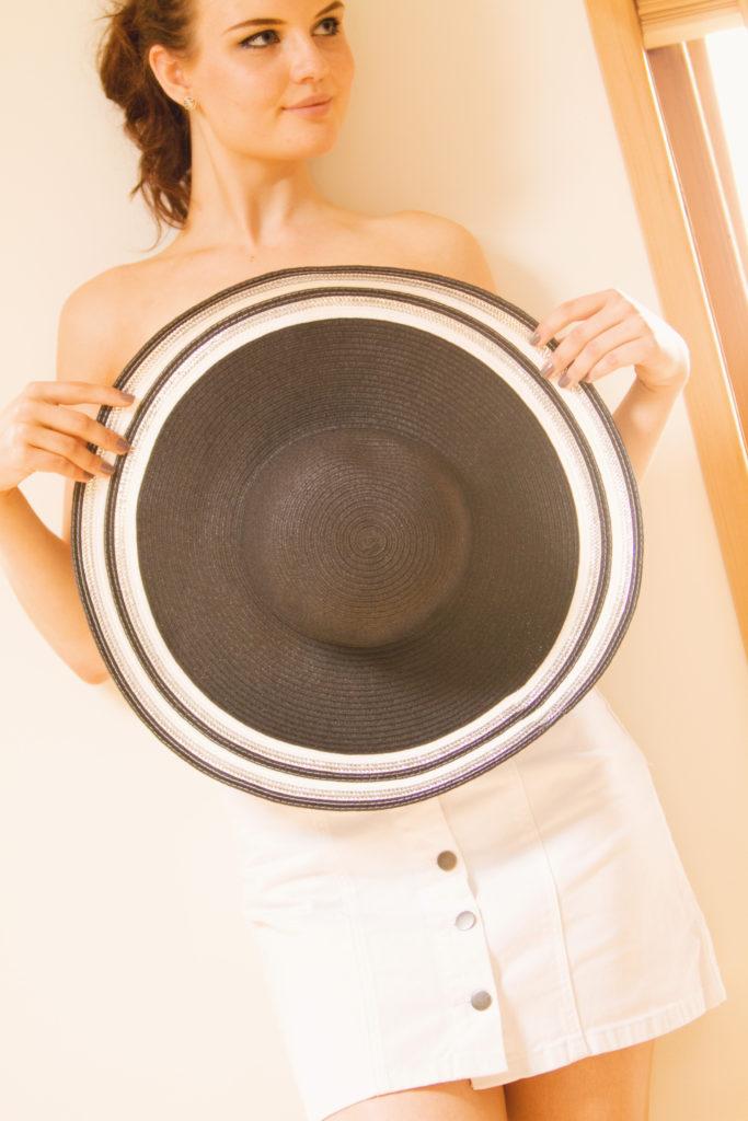 black-straw-hat