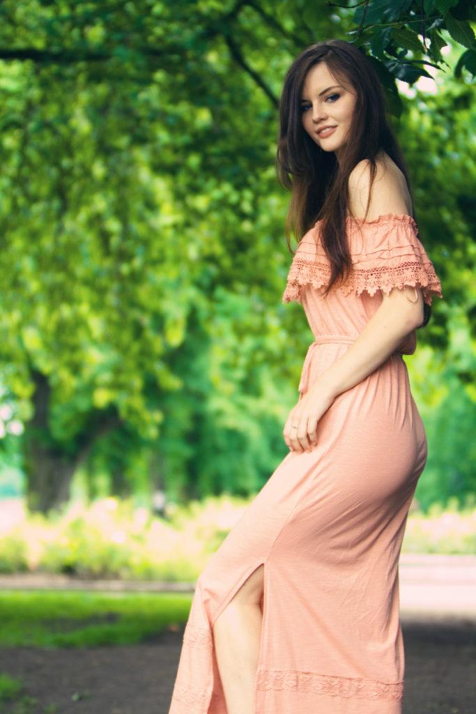 brunette-wearing-maxi-dress