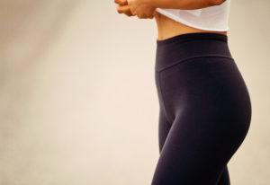 Waist detail of flettering fitness leggings