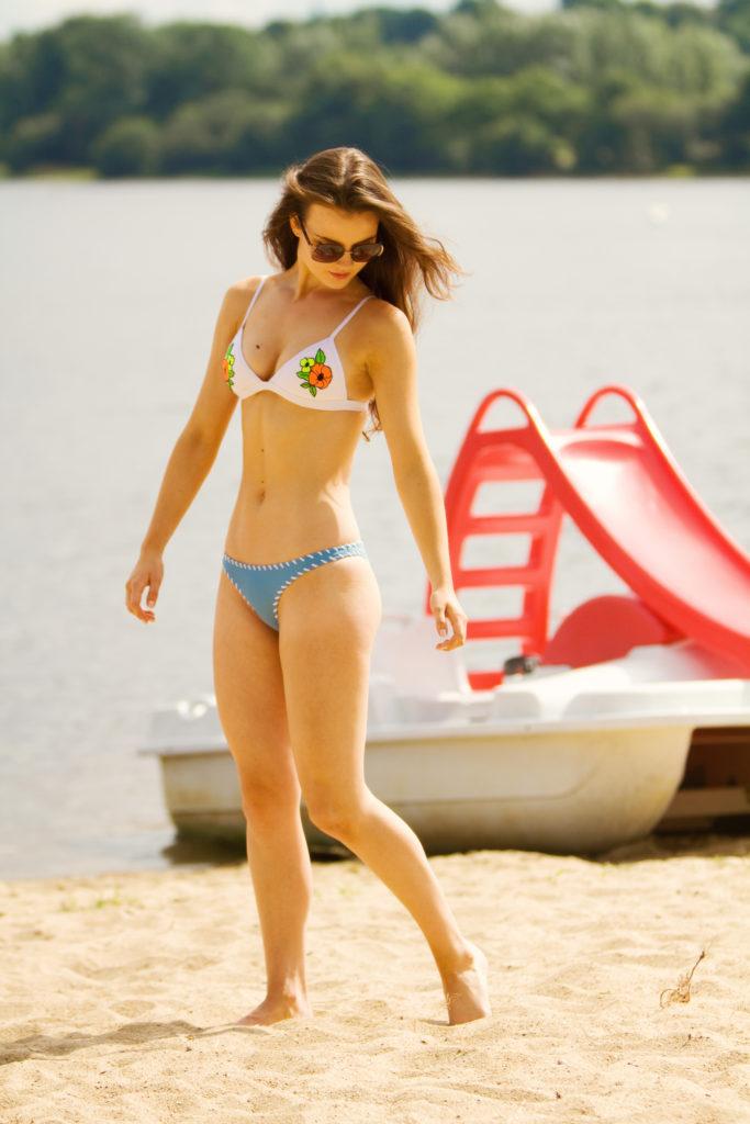 bikini-pedaloe-brittany-france