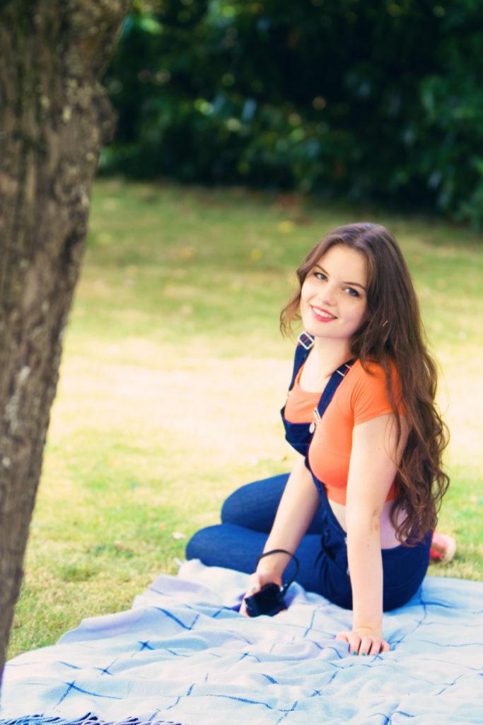 teen-girl-garden-picnic-blanket