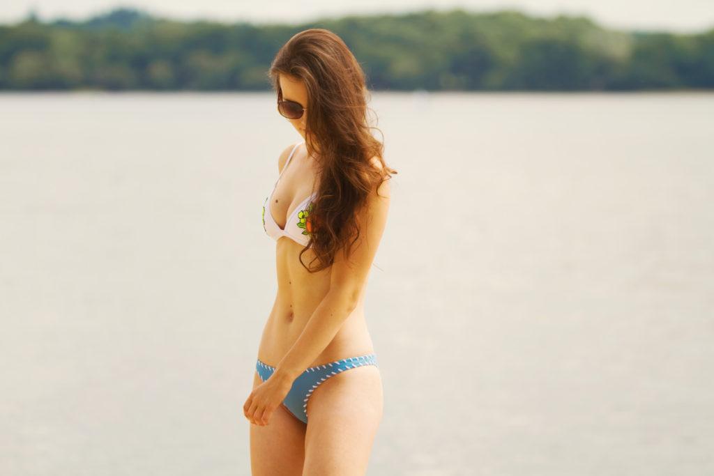 teen-triangl-bikini