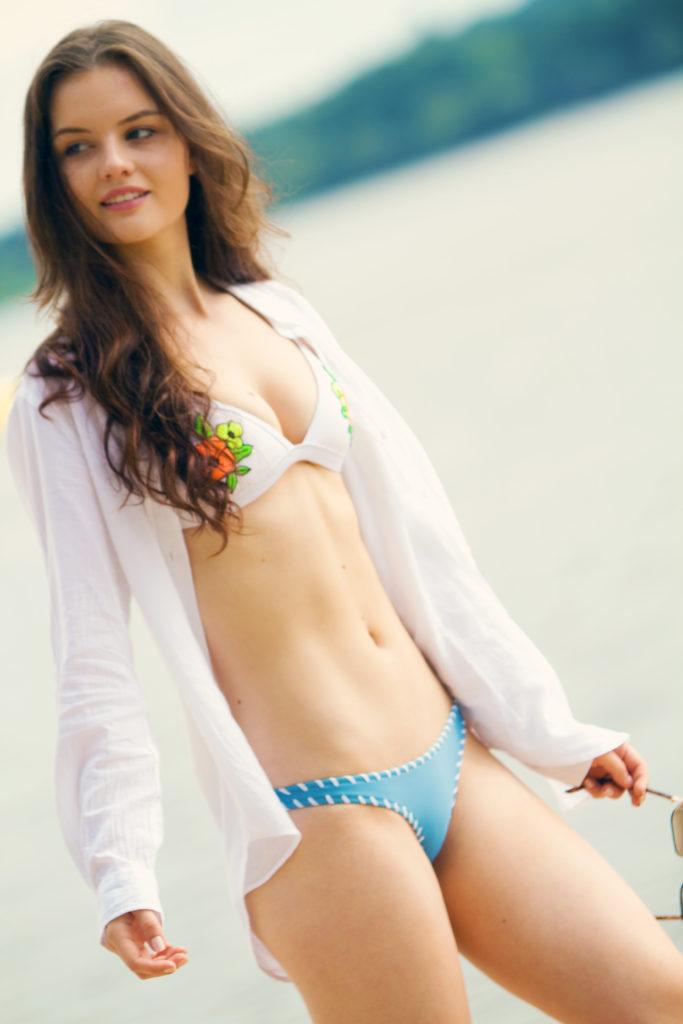 triangl-bikini-white-blue