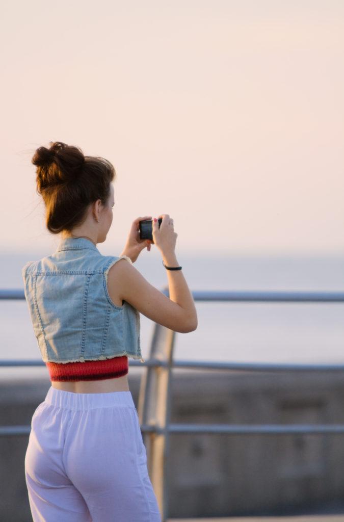 gitl-taking-photograph