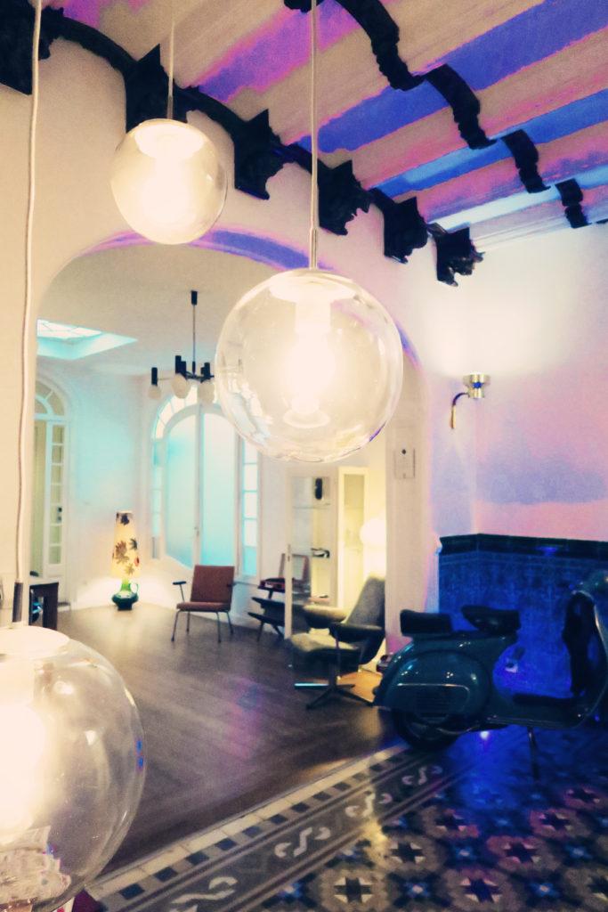 cute-hotel-lobby
