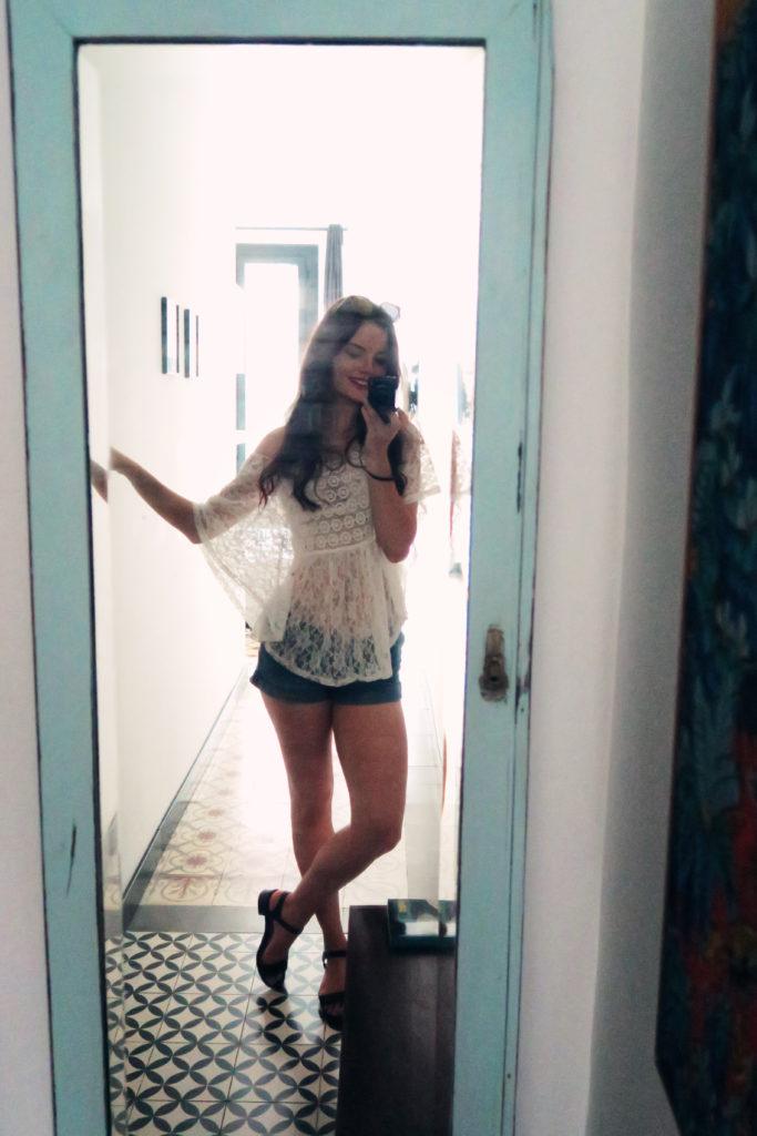 mirror-selfie-summer-outfit