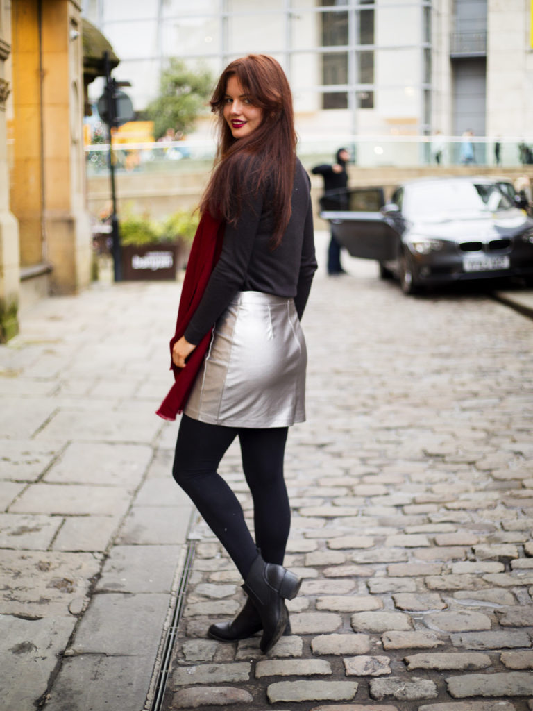 metallic-skirt-autumn-outfit