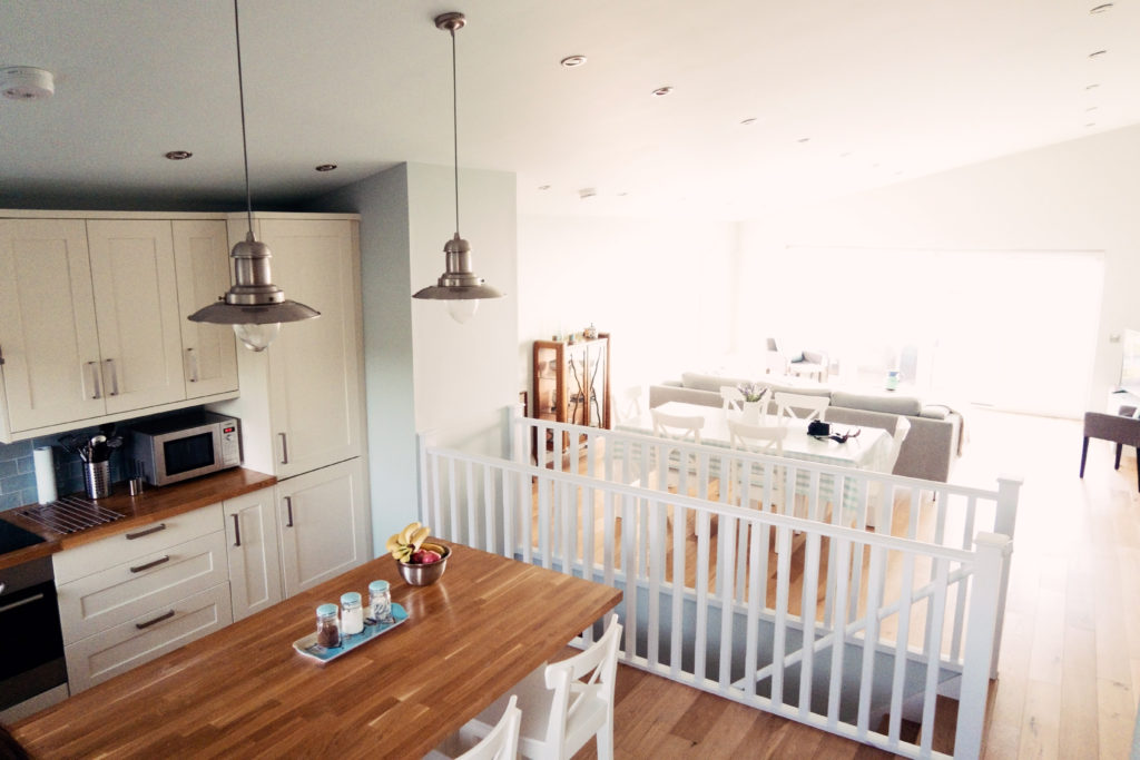 bright-white-open-plan-holiday-cottage-wales
