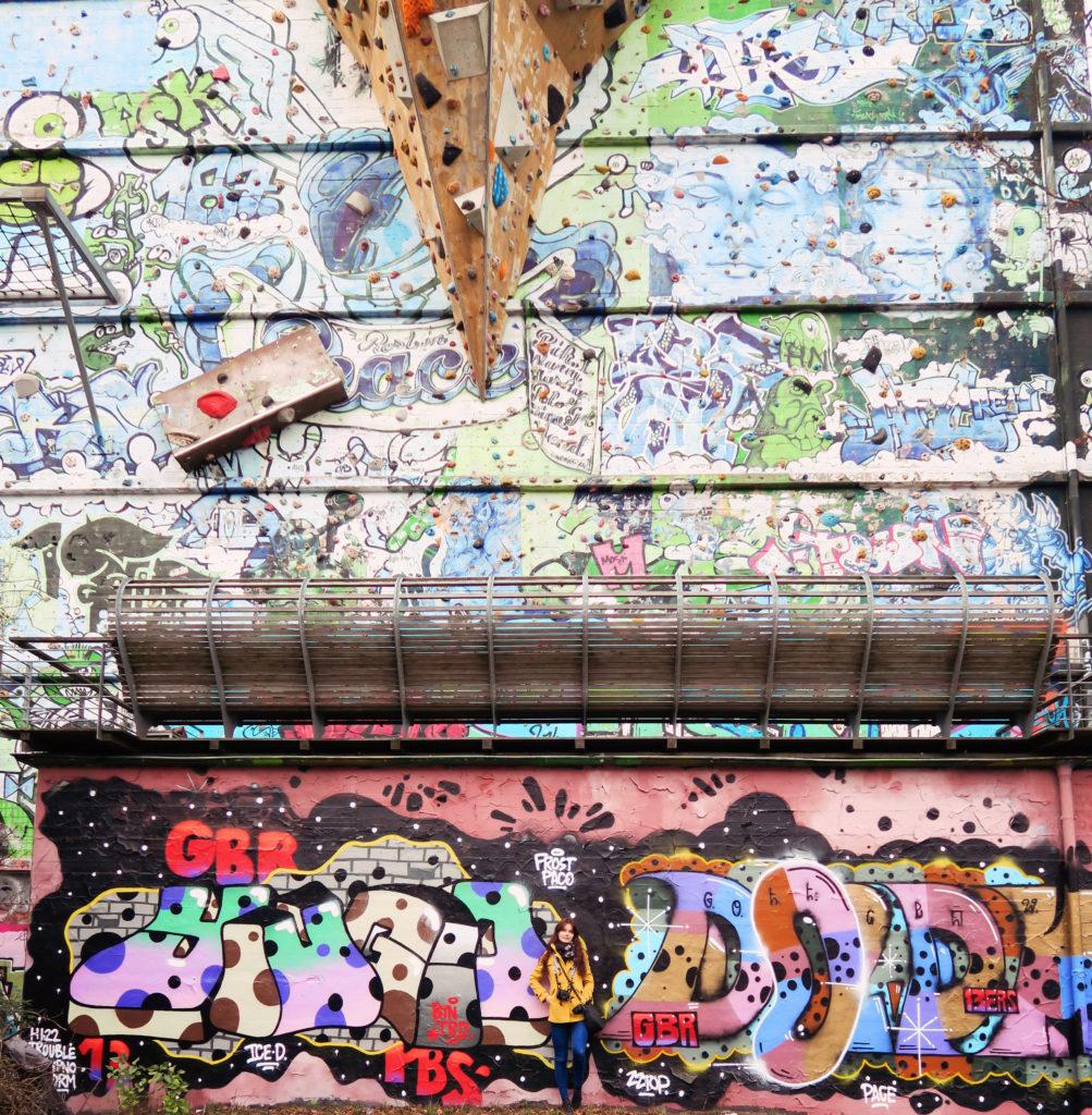 climbing-wall-street-art-hamburg