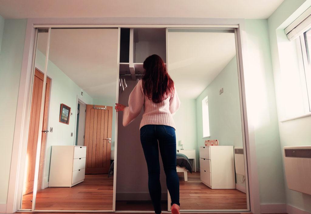 huge-mirror-wardrobe
