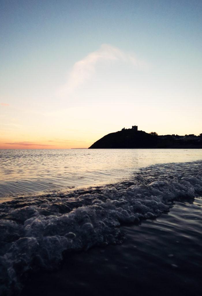 waves-crashing-on-beach