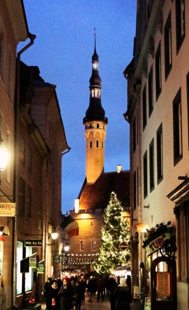 town-hall-christmas-markets-tallinn